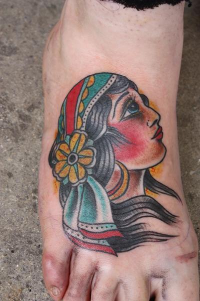 gypsy foot black hair