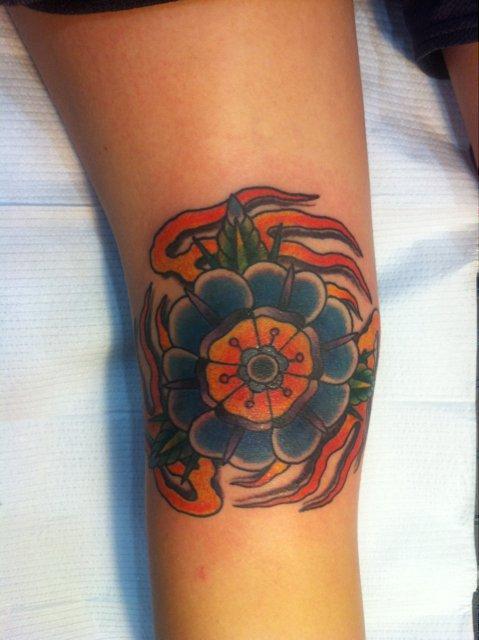 knee flower
