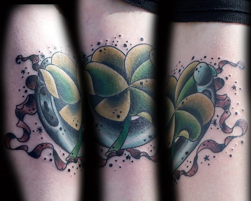 clover horseshoe by tattookollin-d3n6xgo