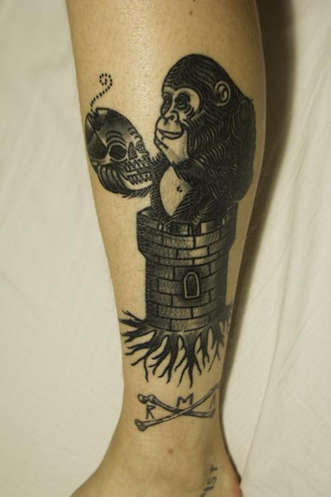 Monkey n skull by Deno