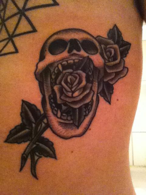Eli Quinters - Skull and Roses