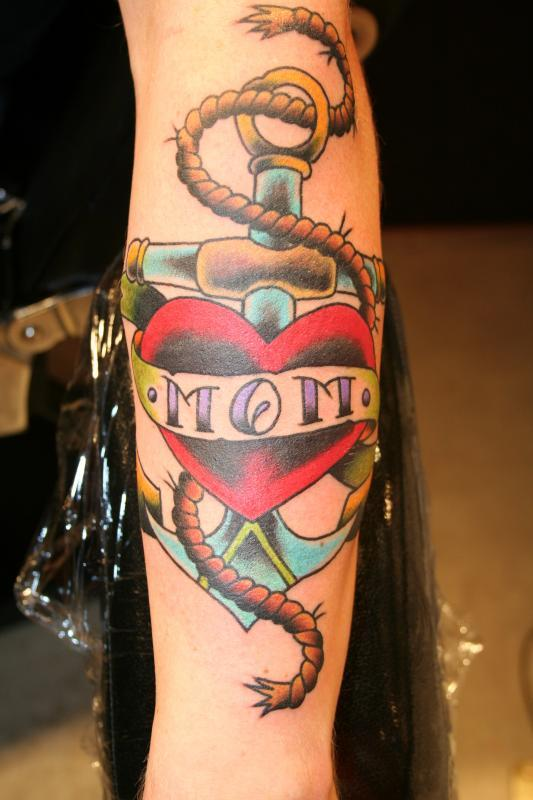 mom heart anchor