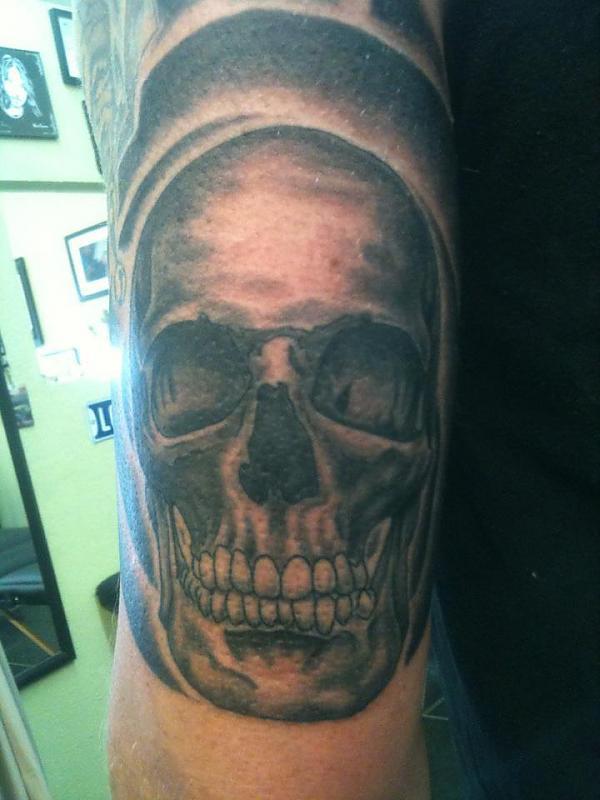 b and g skull