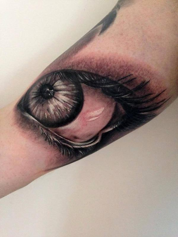 Eye by Peter Tyas of Glory Bound Tattoo UK
