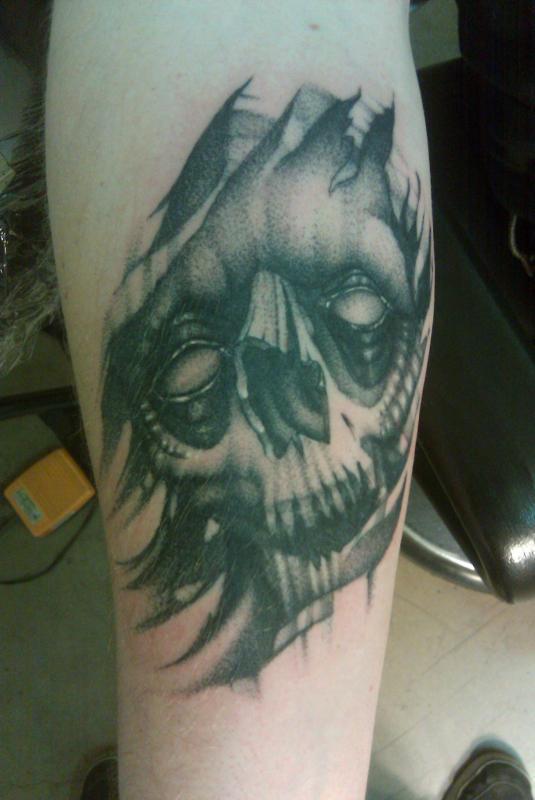freehand skull by sam laurent