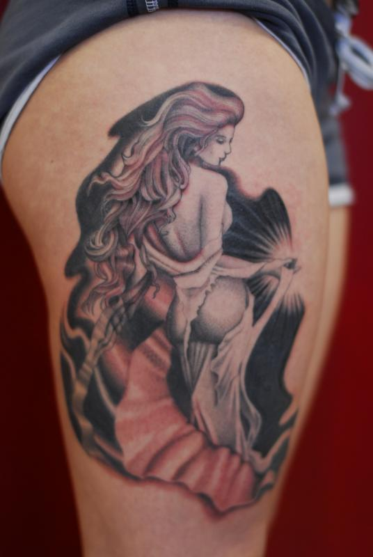 by sam laurent aphroditie on thigh