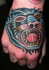 tiger hand