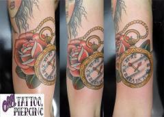 Reólgio de bolso tattoo