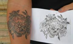 Dia de los Muertos skull w/ flowers