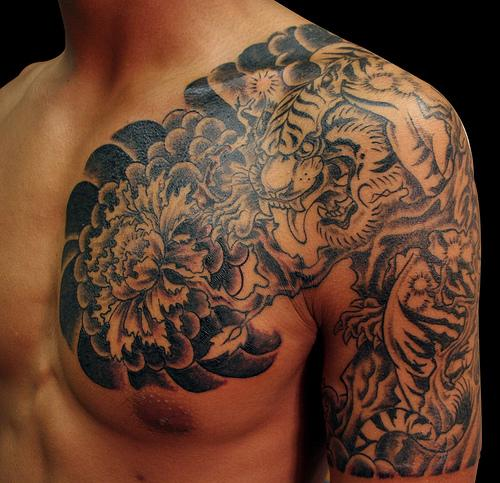 Blue-Koi-Fish-Tattoo-On-Shoulder-For-Men-1.jpg