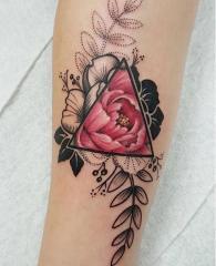 tattoo rosa brazo.jpg